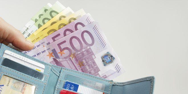 Quel est le plafond pour un retrait d'argent au guichet ?